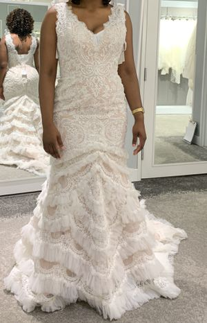 Wedding dress for sale. Was bought for $1,400, selling for 900 for Sale in Columbus, OH