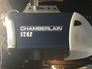 2 chamberlain garages door openers for Sale in Mentor, OH