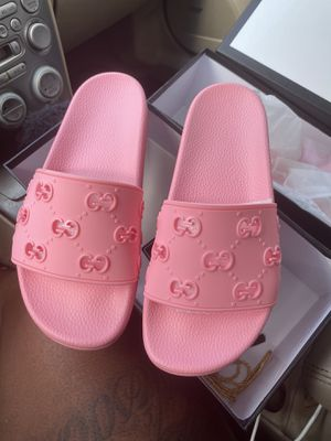 Pink women designer Gucci slides shoes never worn for Sale in McDonough, GA