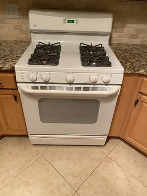 GE Appliance Set: Gas Oven, Microwave, and Dishwasher Set for Sale in Lawrenceville, GA