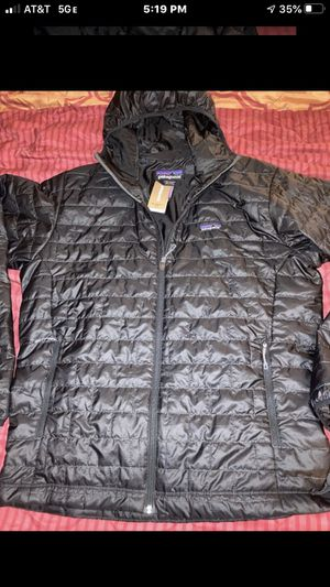 New Men's Extra Large Patagonia Nano Puff Hoody. Black Color for Sale in Anaheim, CA