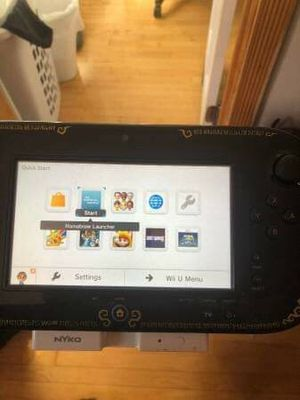 Hacked/SoftMod Nintendo Wii U Zelda Edition Bundle(w/ extra controllers, 50+ games) for Sale in Chicago, IL