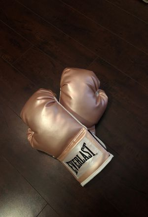 Everlast boxing gloves for Sale in Agoura Hills, CA