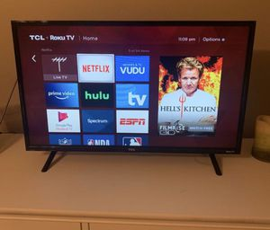 """TCL ROKU SMART TV MONITOR 32"""" inch NEED GONE ASAP for Sale in Poinciana, FL"""