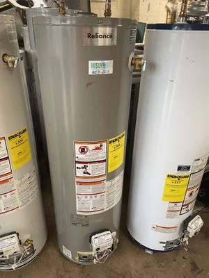 40 gallon gas water heater like new for Sale in Richmond Heights, OH