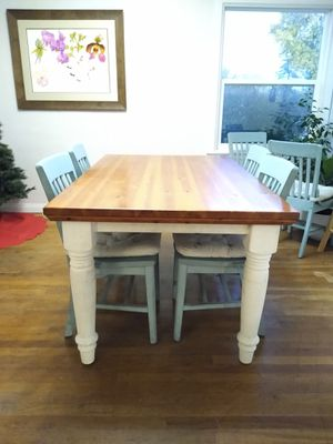 Dining Table and Chairs for Sale in Fresno, CA