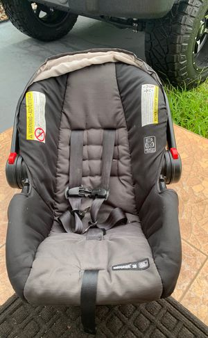 Graco click connect snugride 30 infant car seat for Sale in West Palm Beach, FL