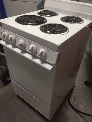 """Holiday 20"""" electric 220V range stove oven. Mint. Like new. for Sale in Lutz, FL"""