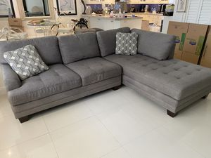 Sectional couch with ottoman. for Sale in Pompano Beach, FL