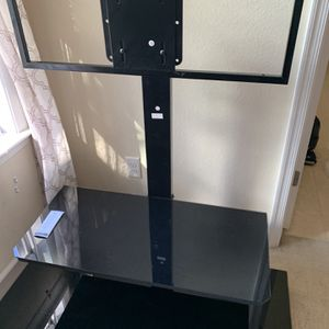 Free Nice Big Screen TV Stand - Must Pick Up Immediately for Sale in Chesapeake, VA
