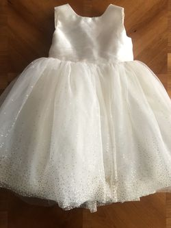 Flower girl dress 2T for Sale in South Windsor,  CT