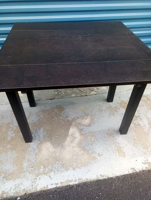 Expandable leaves table for Sale in Hyattsville, MD