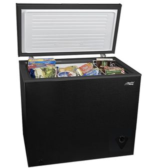 Arctic King 7 cu ft Chest Freezer, Black for Sale in Mission, TX