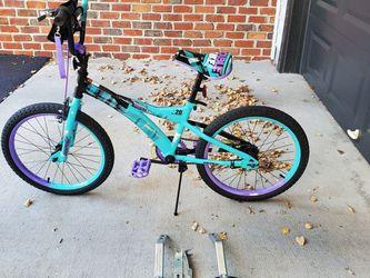 "20"" Girls Bike With Training Wheels for Sale in Fairfax,  VA"