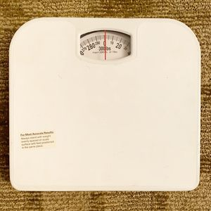 White metal bathroom scale, new for Sale in San Diego, CA
