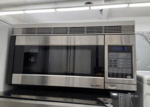 CONVENTIONAL MICROWAVE for Sale in Lakewood, CA