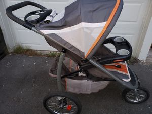 Graco Click Connect Stroller + Car Seat Base for Sale in Bothell, WA