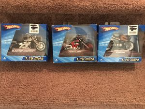 2009-Hotwheels 1:18 Motos:Black top Police Chopper,Twin Flame,X-Drone for Sale in Moreno Valley, CA