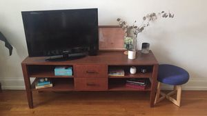 TV console table/entertainment center for Sale in Nashville, TN
