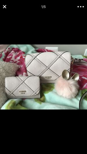 Guess purse and wallet for Sale in Manassas, VA