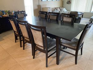 Dining table and chairs for Sale in Sunrise, FL