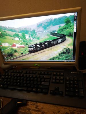 Emachines desktop computer and sceen for Sale in Walnut Creek, CA
