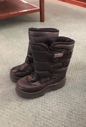 Kids Black Snow/Rain Boots In Size 2 for Sale in San Diego, CA