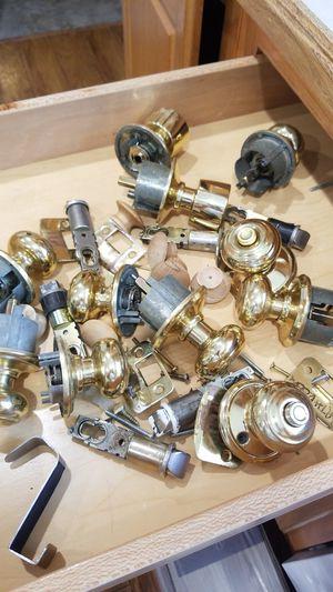 6 door knobs for Sale in Schaumburg, IL