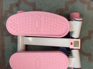 Sunny health and fitness pink adjustable mini stepper for Sale in Douglasville, GA