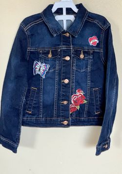 Jeans jacket for a girl size:6/6S for Sale in Everett,  WA