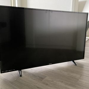 42 Inch HD TV for Sale in Beverly Hills, CA