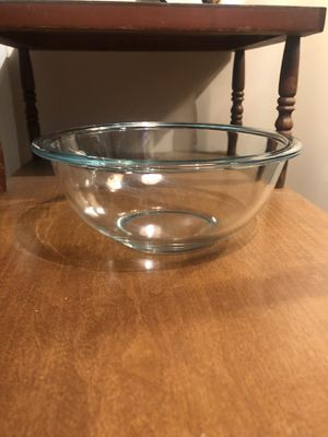 Vintage Pyrex #323 1.5 qt aqua Tint Mixing and Serving Bowl Extended Rim Made in USA for Sale in Columbus, GA