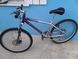 Mountain bike for sale tires 26inches good condition for Sale in Lynwood, CA