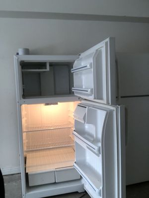 Used refrigerator 125/150 with free delivery for Sale in Pittsburgh, PA