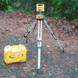 Precision Laser LL 500 &HL 700 Receiver In Hard case +Tripod for Sale in Colton, OR