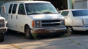 2000 Chevy Express Cargo Van for Sale in Garfield Heights, OH