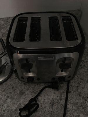Toaster. 4 bread bun maker. Black+ Decker for Sale in San Dimas, CA