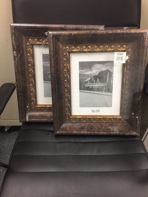 2 Picture Frames for Sale in Tulalip, WA