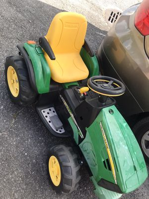 John Deere Tuesday plus reversed tractor tractor (only needs charger) for Sale in Savannah, GA