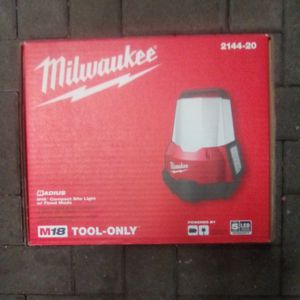 Milwaukee M18 Radius Compact Site Light With Flood Mode for Sale in Portland, OR