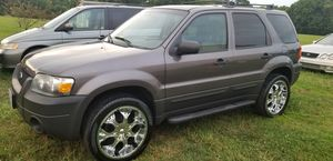 CLEAN 2005 FORD ESCAPE 4x4 for Sale in Amelia Court House, VA
