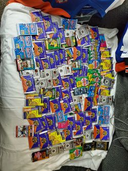 100 Pack Lot Of Vintage Sports Card Packs for Sale in Oakley, CA