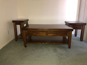 Like New coffee and matching end tables for Sale in Peoria, AZ