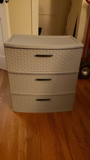 Sterlite plastic 3 drawer unit for Sale in San Francisco, CA