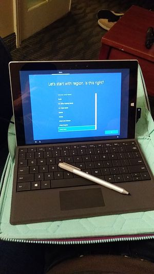 Surface 2 with pen and case for Sale in San Diego, CA