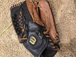 softball glove for Sale in Las Vegas, NV