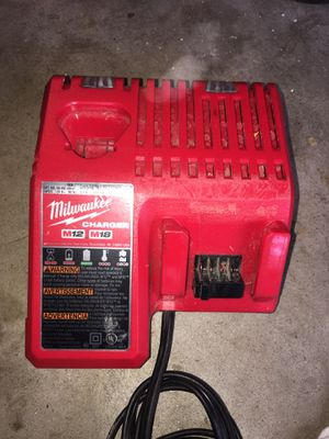 Milwaukee M12 & M18 Battery Charger for Sale in Ramona, CA