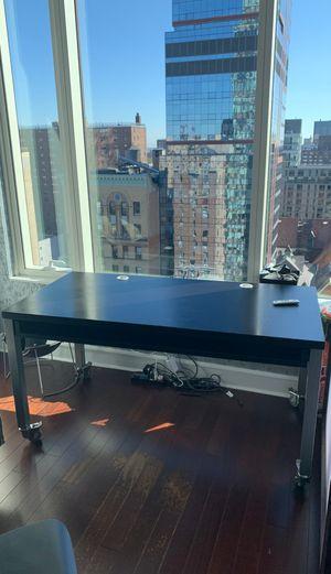 Desk. for Sale in New York, NY