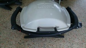 """WEBER Q Q100 GAS BBQ GRILL W/COVER """"LIKE NEW"""" NO OFFERS, PRICE IS FIRM for Sale in North Miami, FL"""