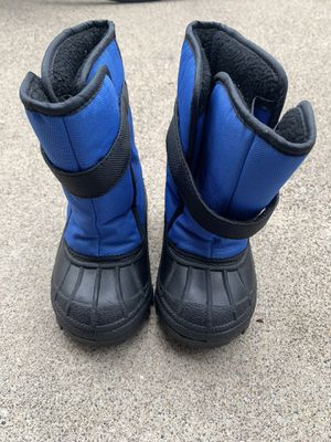 Little Kid Snow Boots size 6 for Sale in Tustin, CA